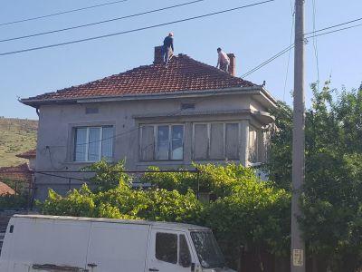 Демонтаж на съществуваща конструкция на покрив - Изображение 1