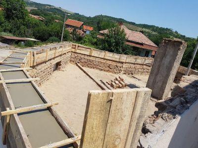 Изливане на бетонов пояс - Изображение 1